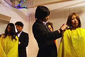 AiMワインパーティーで開催されたミニヘアーショー